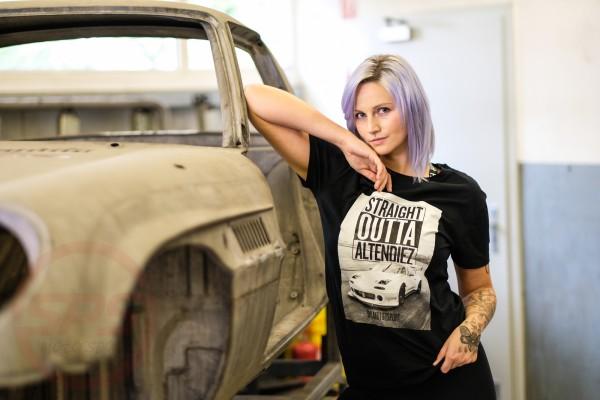 """T-Shirt """"Straight Outta Altendiez"""" weißer NA Rennwagen"""
