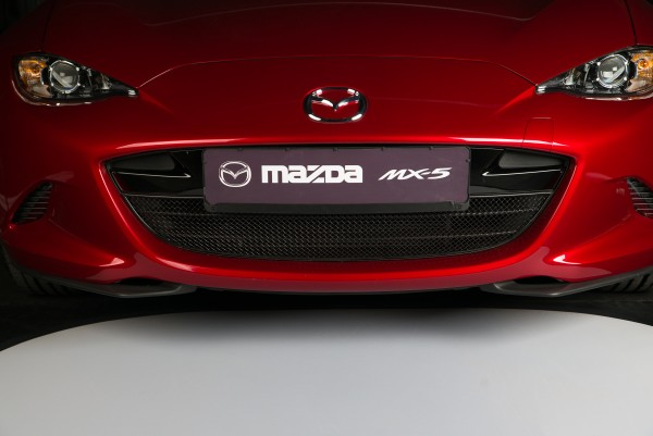"""Stainless steel front grille """"s"""" black MX-5 ND"""